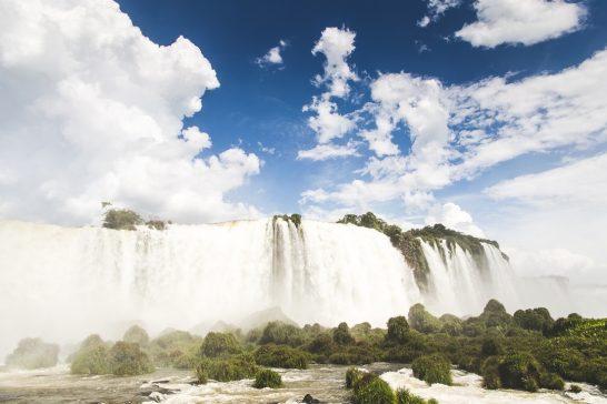 海外リゾートの滝