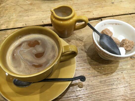 JREポイントが貯まる駅ビルのカフェのコーヒー