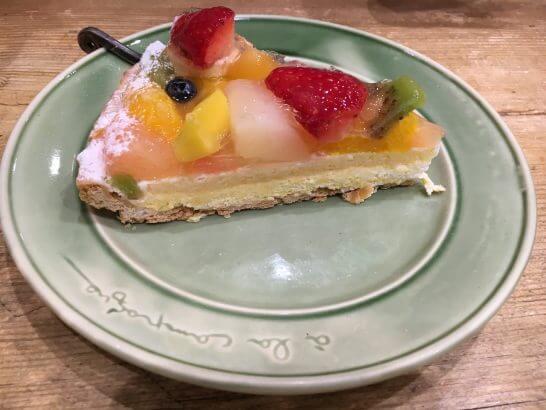 JREポイントが貯まる駅ビルのカフェのケーキ