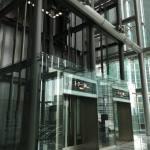 SBI証券のオフィスのエレベーター
