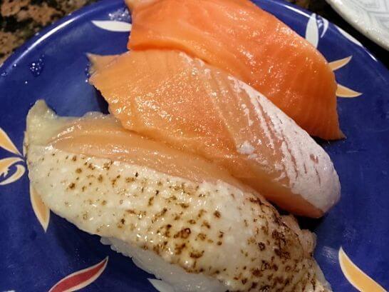 海鮮三崎港のサーモンの寿司