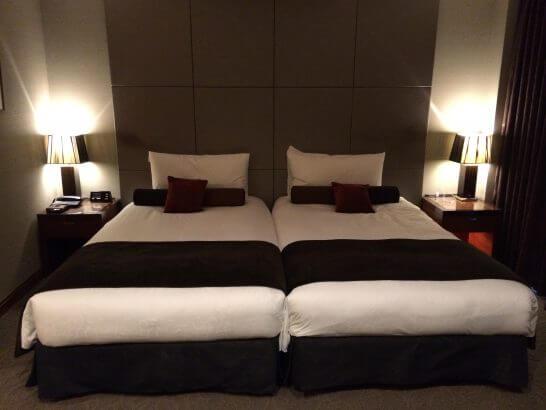 高級リゾートホテルのベッド