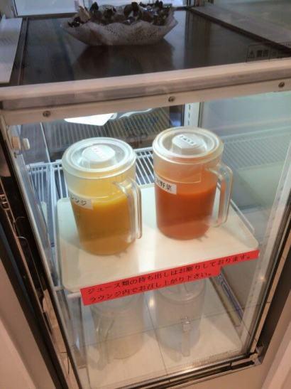 関西国際空港のラウンジ「比叡」のジュース