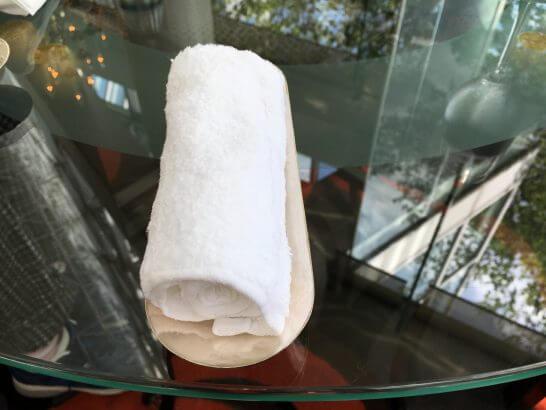 ウェスティンホテル大阪のロビーラウンジのおしぼり