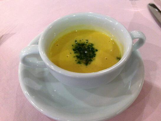 マーヴェラス パラディ白金のバターナッツカボチャのポタージュスープ