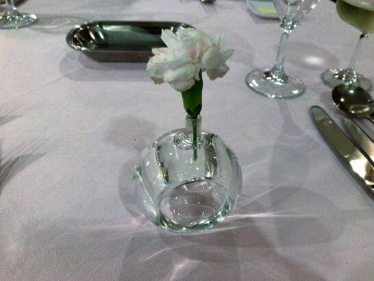 マーヴェラス パラディ白金のテーブルのお花