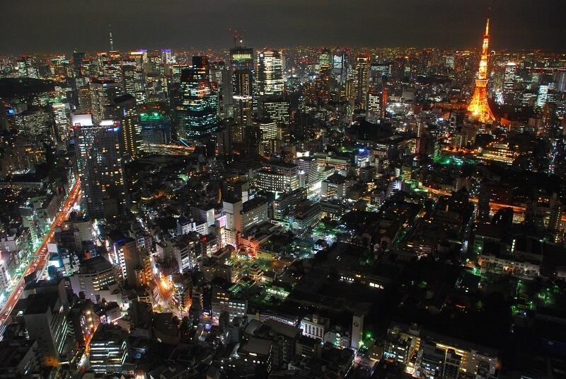 東京タワーとスカイツリーが見える夜景