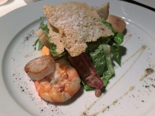 ハイアットリージェンシー京都「THE GRILL」帆立と海老のグリルとサラダ