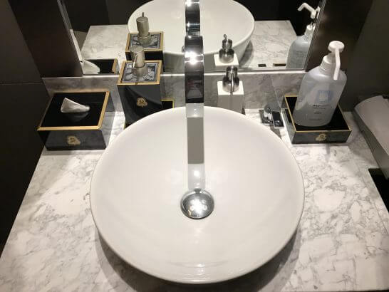 フレンチビストロ「ル ドール」のトイレの洗面台