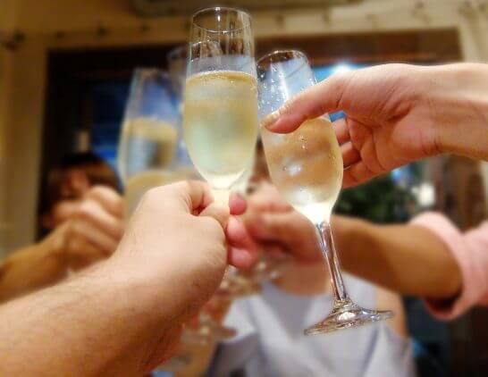 パーティーの乾杯