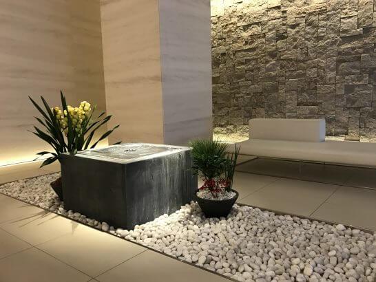 東京ステーションホテルのフィットネス&温浴施設の受付ロビー