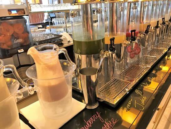 ウェスティンホテル東京の朝食のフレッシュ・ジュース