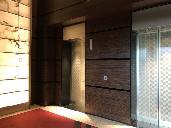コンラッド東京のエレベーターホール