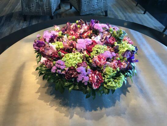 シャングリ・ラホテル東京のホライゾンクラブのお花