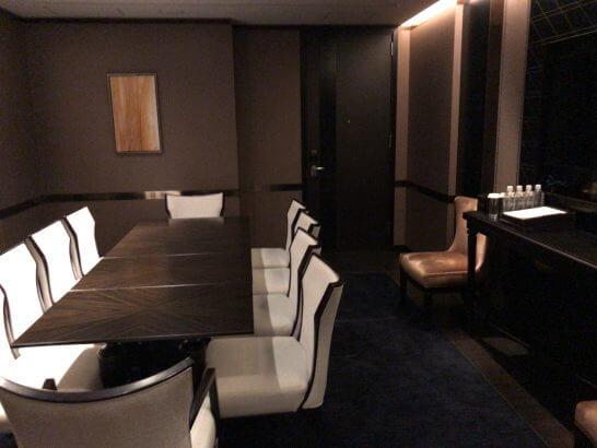 シャングリ・ラ ホテル 東京のホライゾンクラブラウンジのミーティングルーム