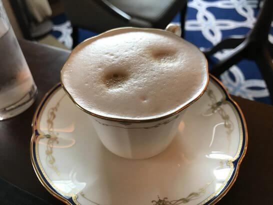 横浜グランドインターコンチネンタルホテルの朝食(カプチーノ)