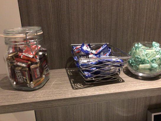東京マリオットホテルのエグゼクティブラウンジのキャンディ・お菓子
