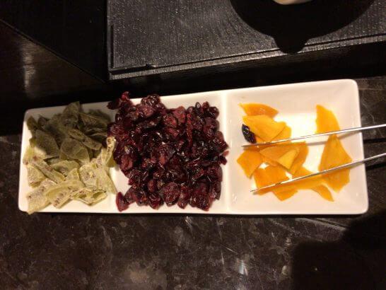 東京マリオットのエグゼクティブラウンジのドライフルーツ