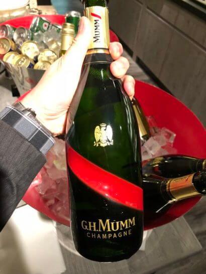 東京マリオットホテルのエグゼクティブラウンジのシャンパン