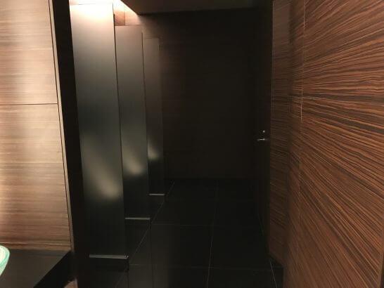 コンラッド東京のレストランフロアのトイレ