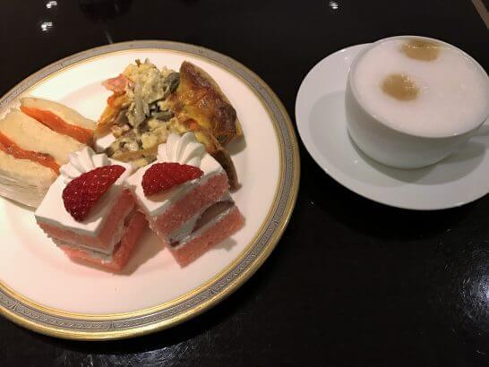 東京マリオットホテルのエグゼクティブラウンジのアフタヌーンティー