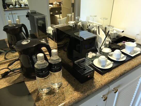 横浜グランドインターコンチネンタルホテルのミネラルウォーター・コーヒー・お茶