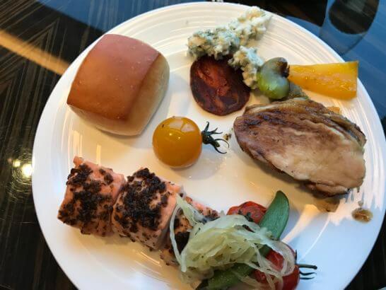 シャングリ・ラ ホテル東京のホライゾンクラブラウンジの食事