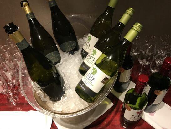 東京マリオットのカクテルタイムのワイン類
