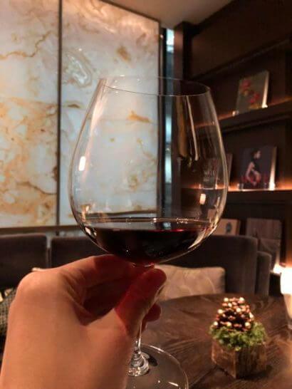 ラグジュアリーソーシャルアワーの赤ワイン
