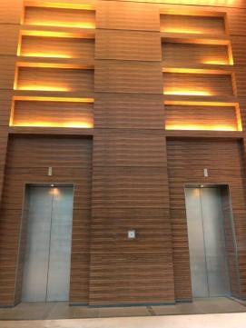 フォーシーズンズホテル東京のエレベーターホール (2)