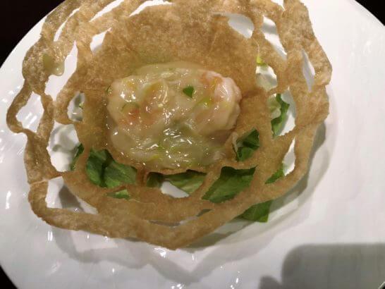 品川プリンスホテルの中華レストランのコース料理 (エビマヨ)