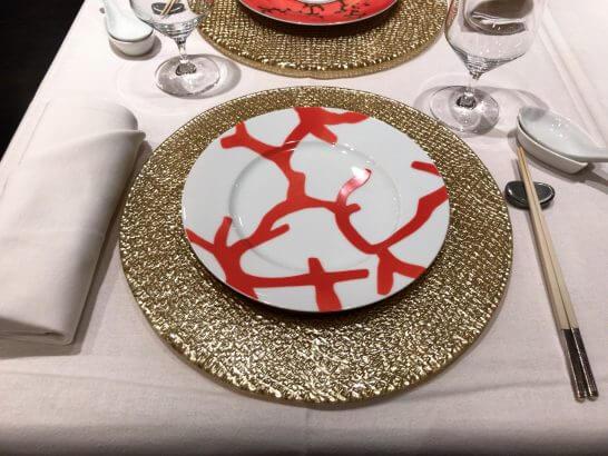 重慶飯店 麻布賓館のテーブル