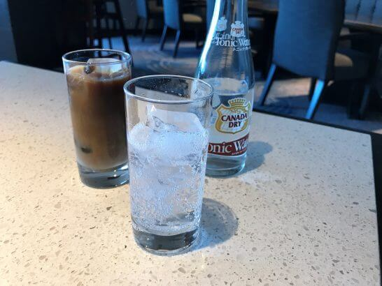ヒルトン東京お台場のエグゼクティブラウンジのコーヒー・トニックウォーター