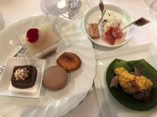 ダイナースクラブ フランスレストランウィーク 2018のレセプションのデザート (1)