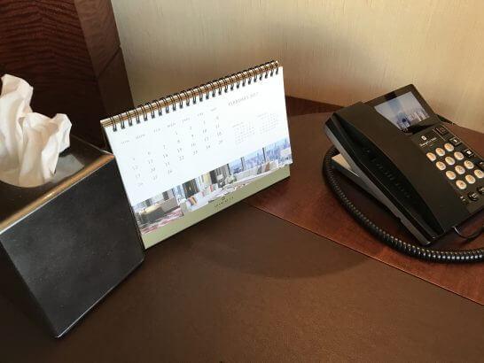 シャングリラホテル東京のティッシュ・カレンダー・電話機