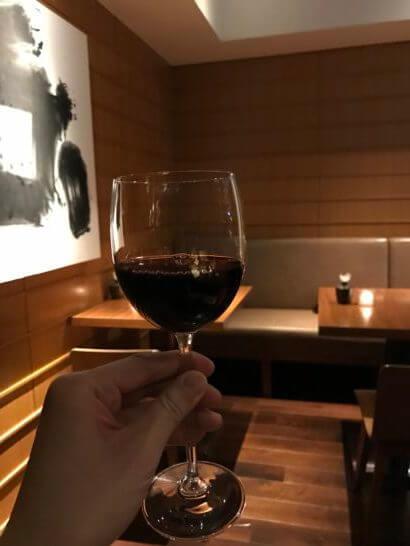 グランドハイアット東京のクラブラウンジの赤ワイン