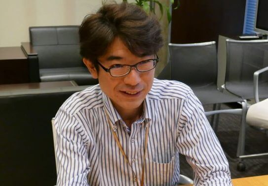 岡三オンライン証券の鈴木さんの説明
