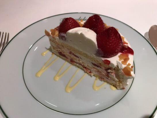 ジランドールのホールケーキの断面