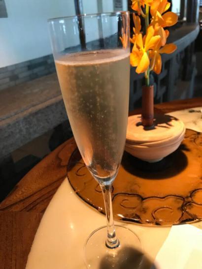ザ・ペニンシュラ東京のヘイフンテラスのシャンパン