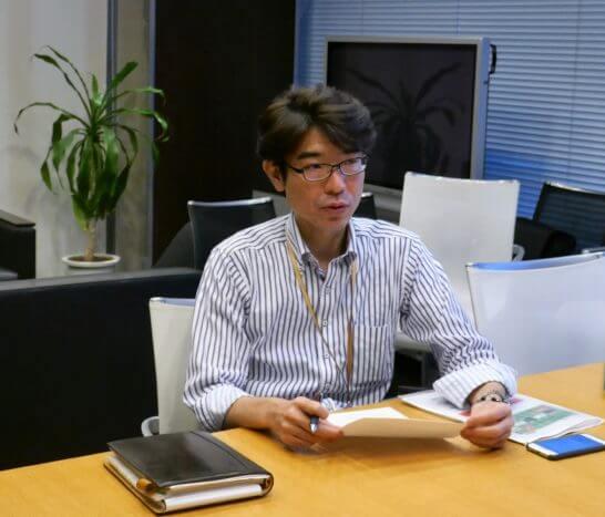 岡三オンライン証券の鈴木さん