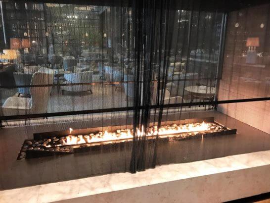パレスホテル東京のグランドキッチンの暖炉
