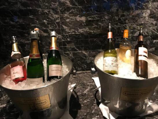 パレスホテル東京のクラブラウンジのシャンパン、ワイン