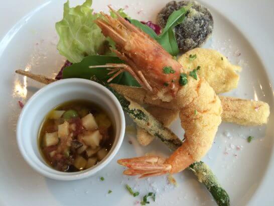 キハチのコース料理 (エビ料理)