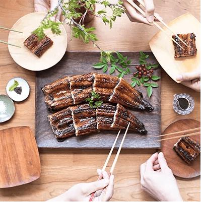 西粟倉村でゆっくり育った森のうなぎを食卓に並べたところ
