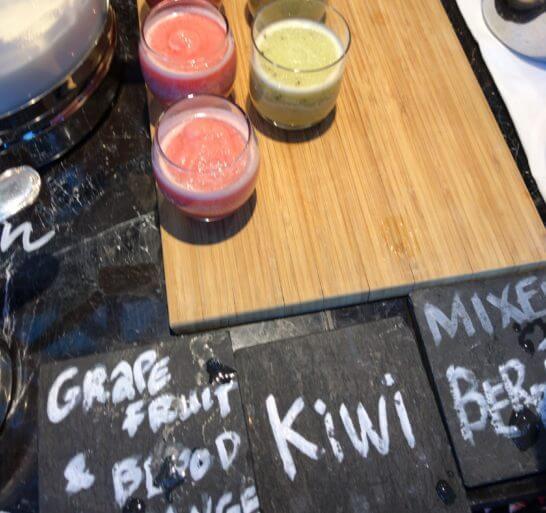 東京マリオットホテルの朝食のスムージー