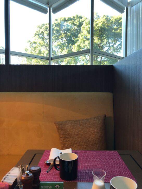 Lounge&Dining Gのテーブル