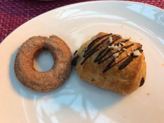 東京マリオットホテルの朝食のドーナッツ・デニッシュ