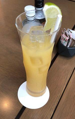 東京マリオットホテルのオールデイダイニングのグレープフルーツジュース