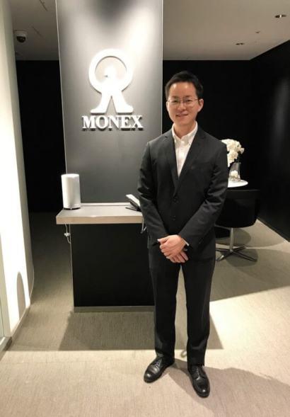 マネックス証券 プロダクト部マネージャーの清野翔太さん (3)