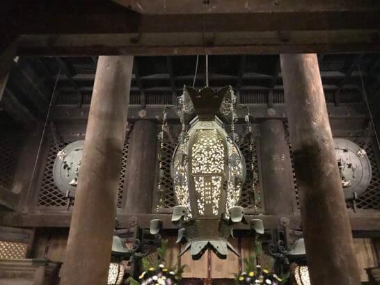 清水寺の本堂(国宝)の入り口